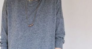 Dauerbrenner FrauAiko in grauem Wollstrick