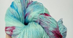 Monte Rosa jade, scarlet and blue hand dyed yarn - 3 bases available
